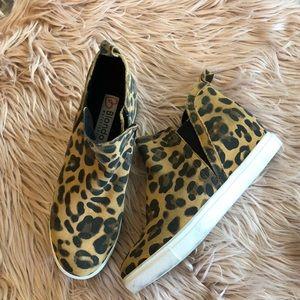 Blondo Women's Brown Georgette Waterproof Hidden Wedge Sneaker size 7